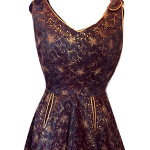 Dresses & Skirts - Thick Vintage Party Dress
